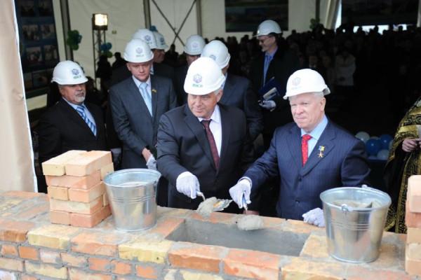 <b>Подарок «НИБУЛОНа» к Пасхе – в Киевской обл. начато строительство самого северного терминала на Днепре</b>