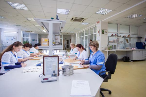 Виробничо-технологічна лабораторія компанії «НІБУЛОН» пропонує послуги з визначення показників якості зерна, наявності ГМО та показників безпеки (інформація оновлена 02.07.2021)