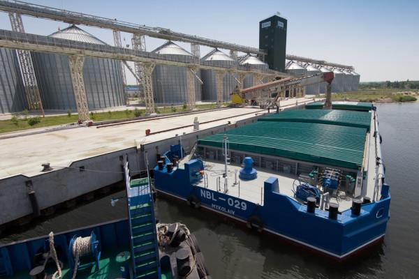 «НІБУЛОН» б'є рекорди з обсягів річкових перевезень