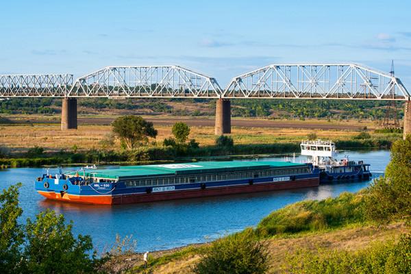 «НІБУЛОН» транспортував перший мільйон тонн вантажів річкою Південний Буг