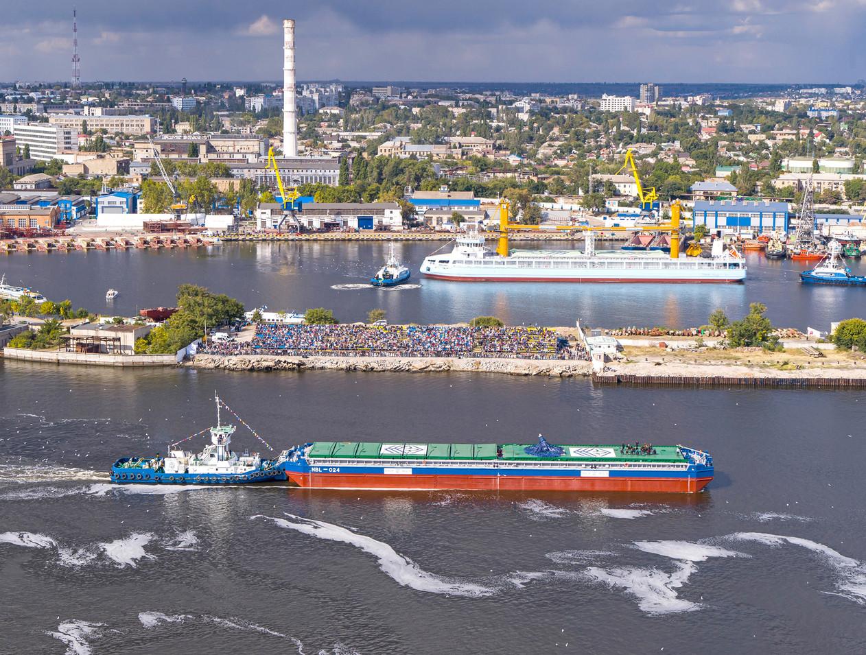 Можливості сучасного флоту компанії «НІБУЛОН» підтверджуються новими рекордами з експорту