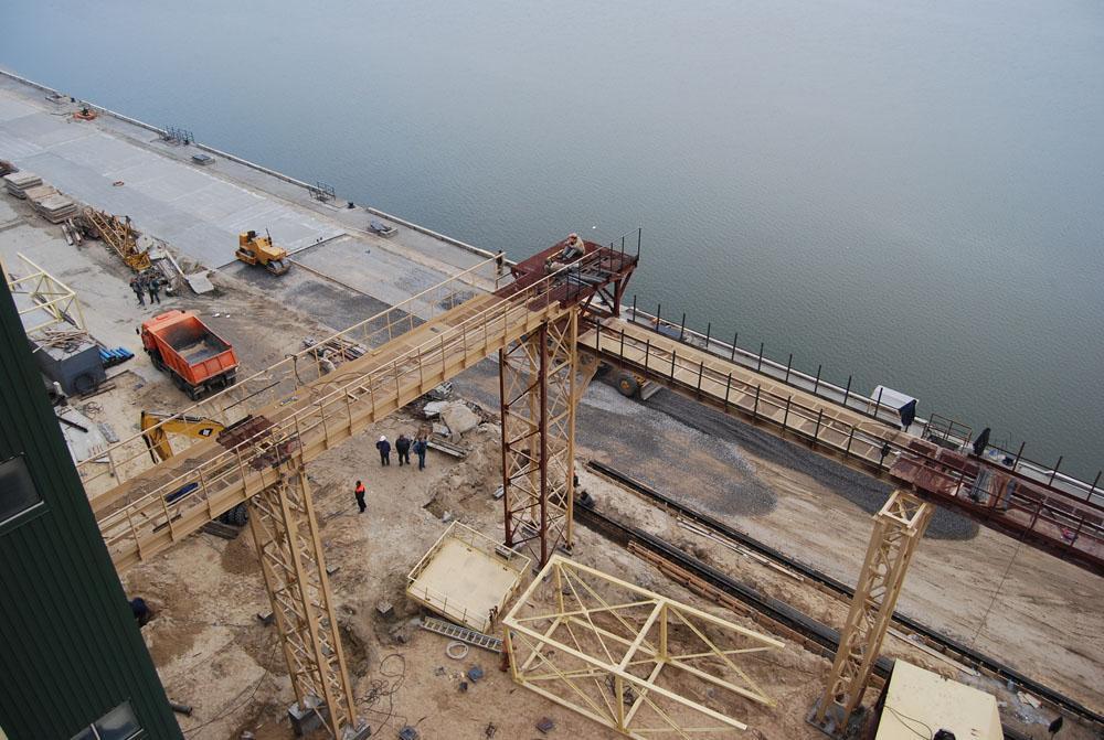 Зведення норійної башти та галереї по завантаженню силосів