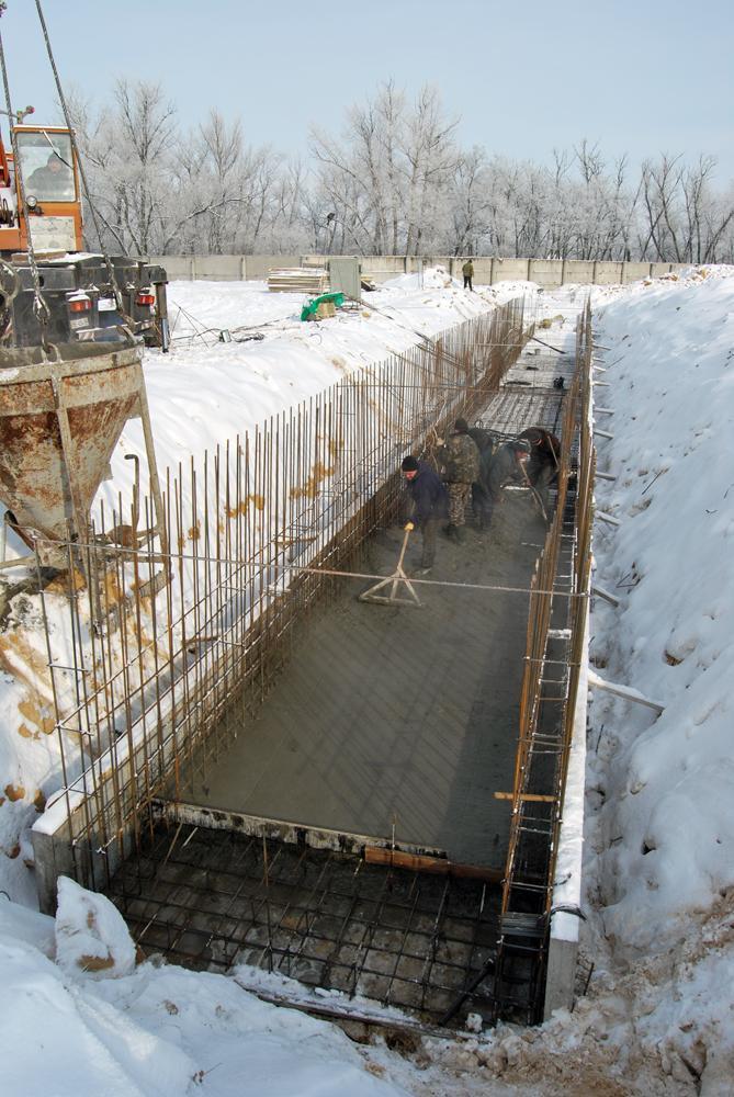 Будівництво фундаментів галерей зерносховищ