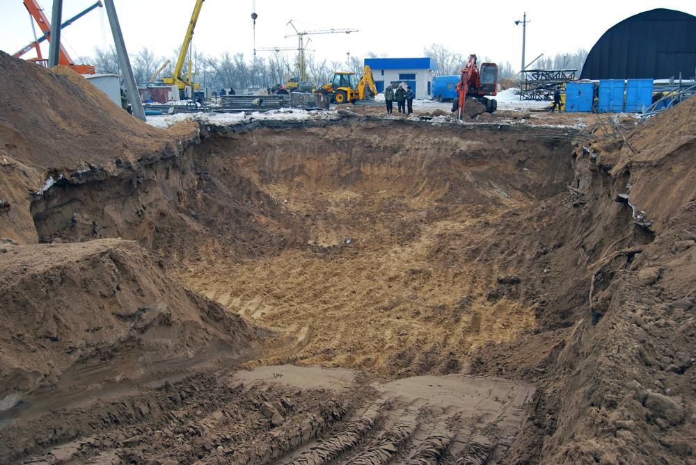 Земляні роботи під фундамент пожежного резервуара