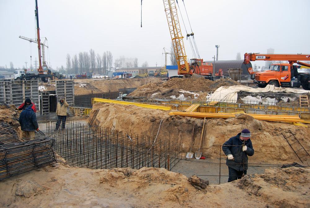 Будівництво системи фундаментів під силоси