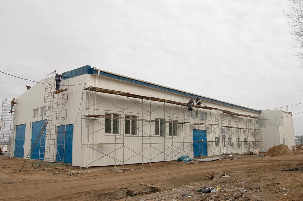Будівництво побутового корпусу