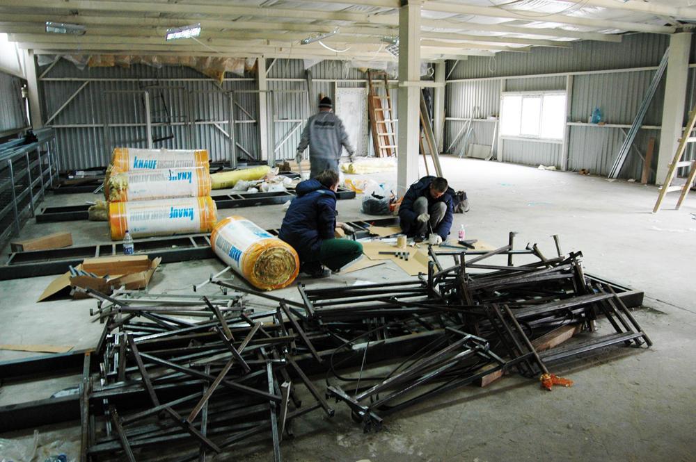 Розпочато монтаж обладнання в робочій підстанції автомобілерозвантажувача
