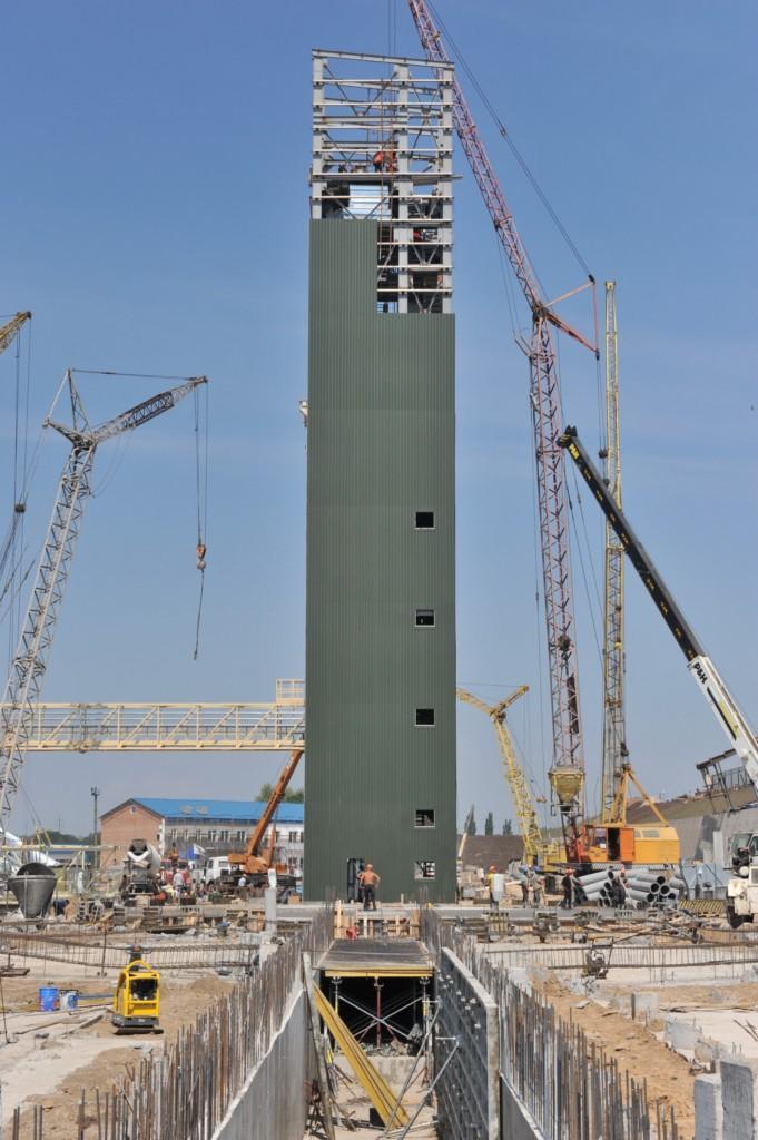 Будівництво робочої башти. Монтаж обладнання