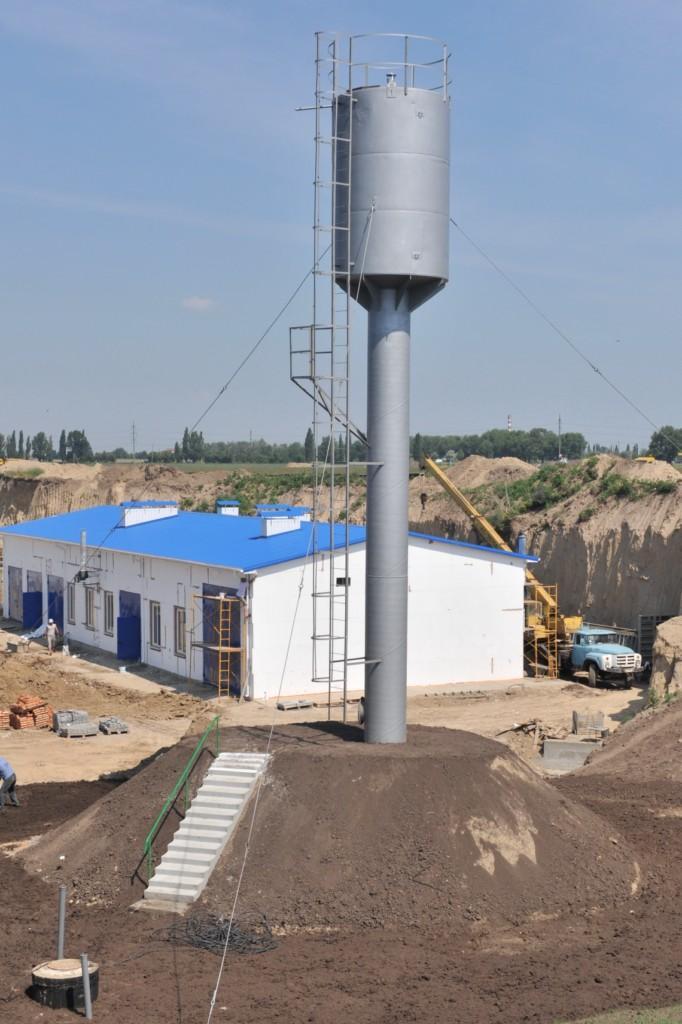 Змонтована водонапірна башта