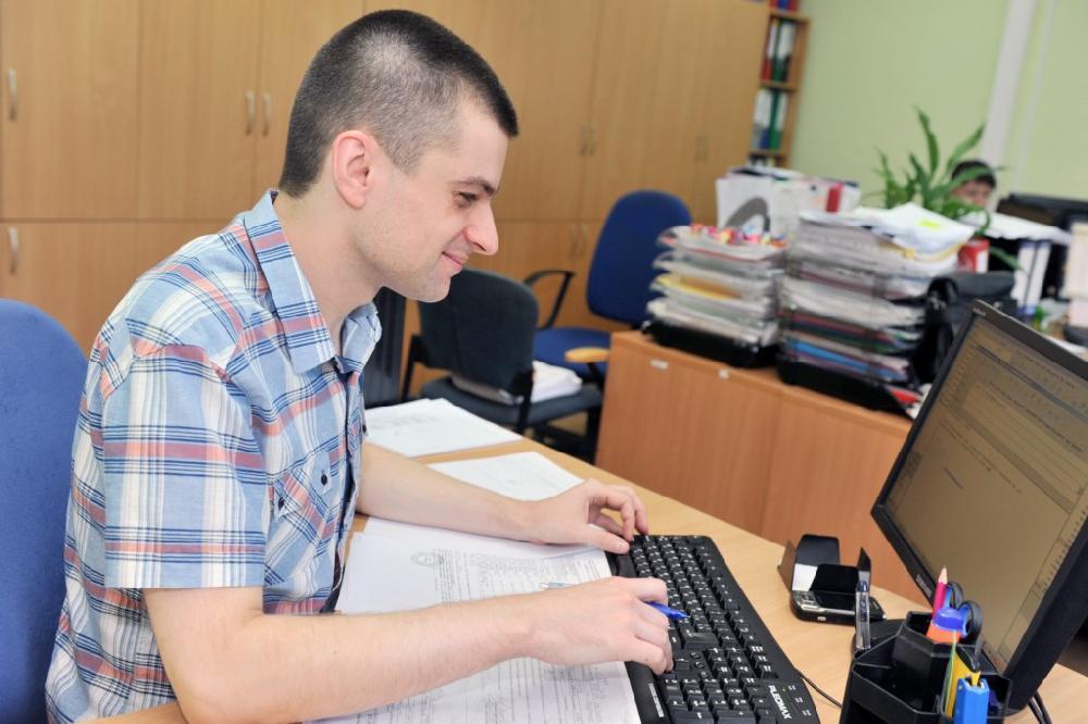 Бойчук Євген, провідний бухгалтер з розрахунків за податками
