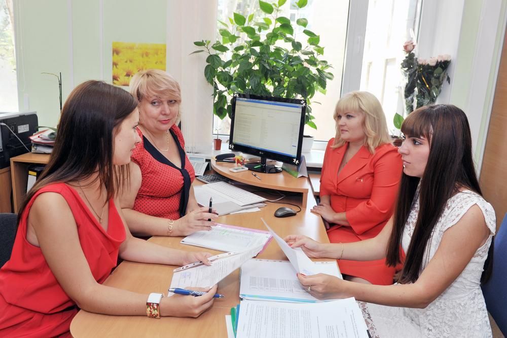 Група розрахунків з постачальниками та підрядниками  з провідним бухгалтером Кокшаровою Валентиною