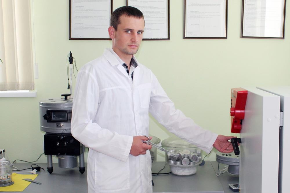 Заступник начальника лабораторії Лесів Віталій