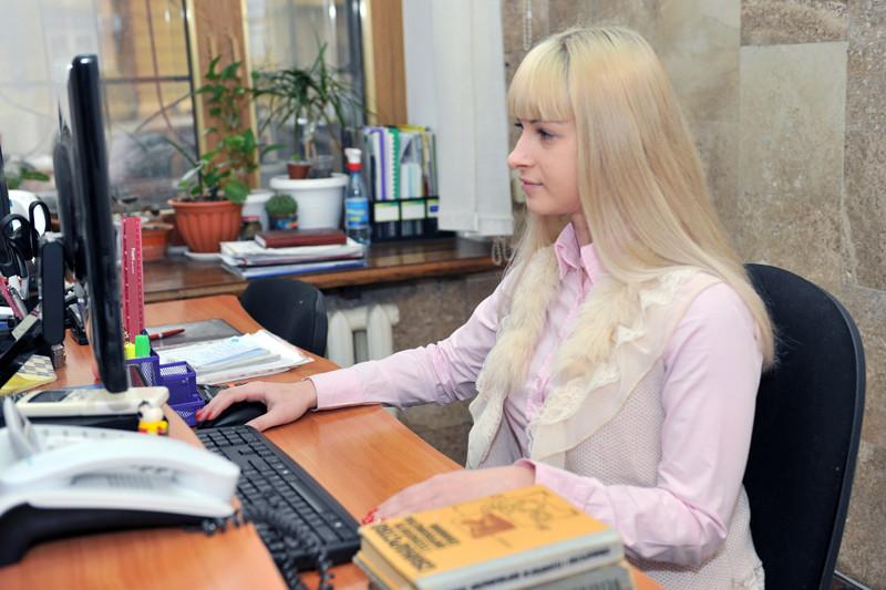 Фахівець служби Олена Станішевська