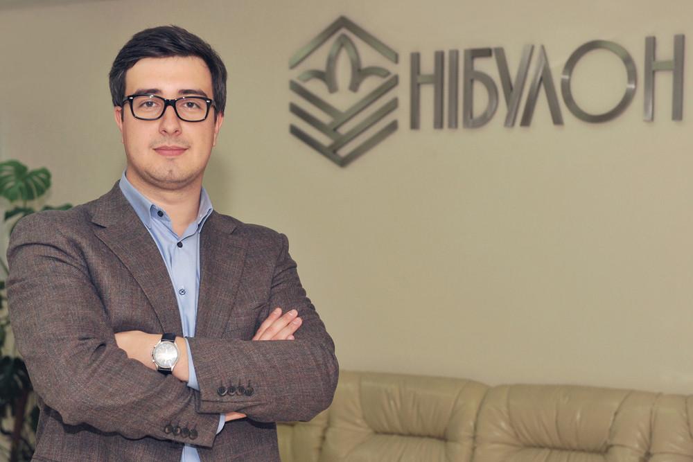 Менеджер в оптовій торгівлі зерновими культурами Дмитро Фурда (ліворуч)