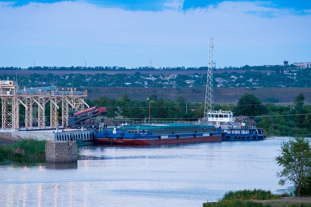 До м. Вознесенська прийшов вантажний флот
