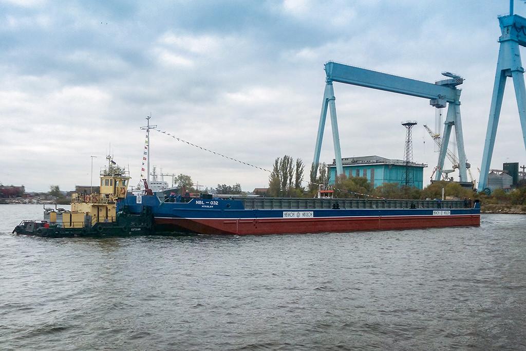 «НІБУЛОНівські» суднобудівники спустили на воду четверте судно проекту В2000