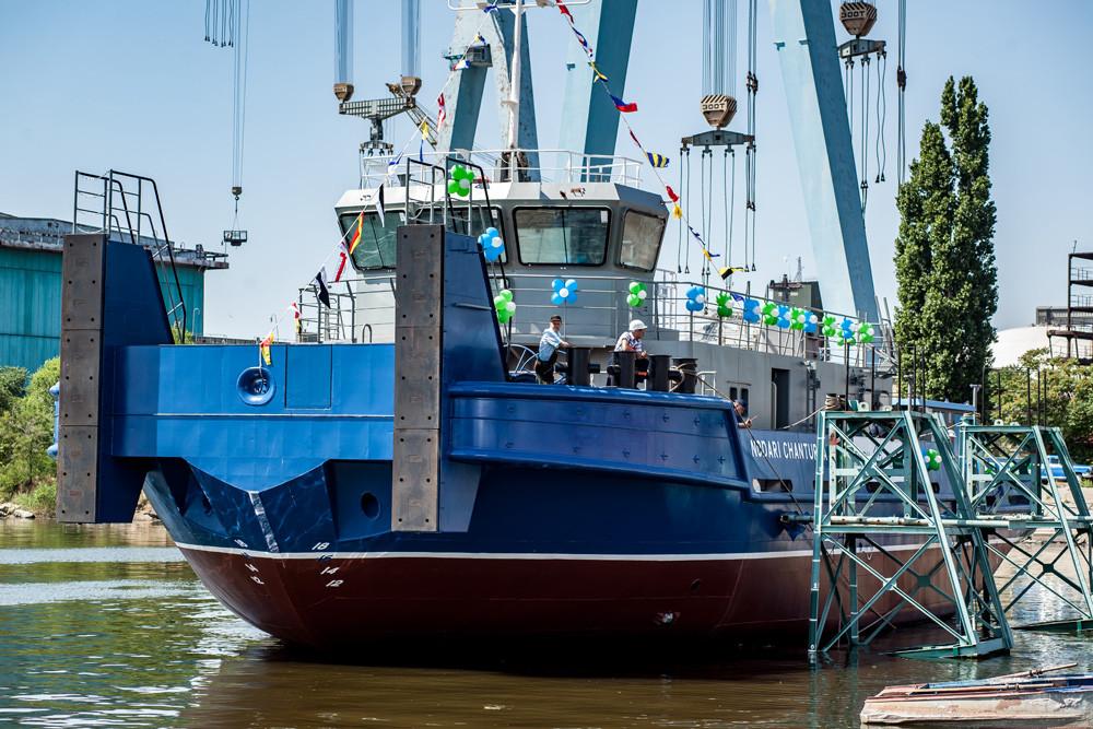 Спуск на воду третього буксира проекту 121М