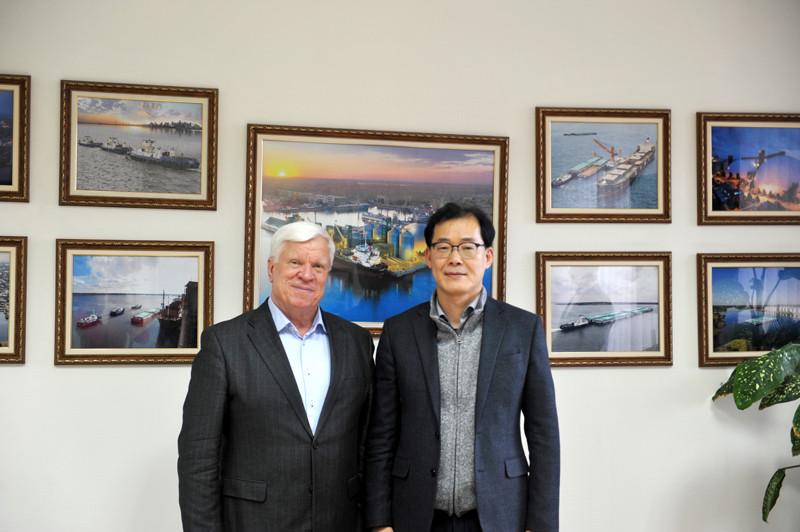 Зустріч із керуючим та генеральним директорами південнокорейської компанії Singsong Food Corporation