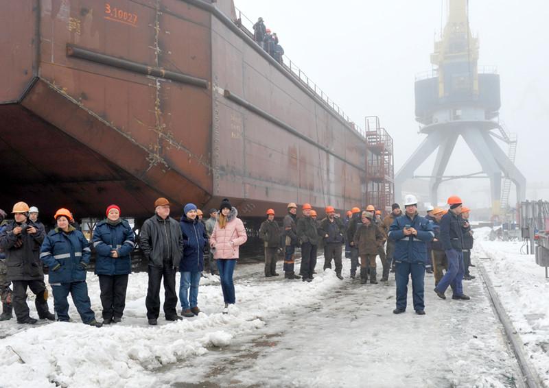 З оновленого сліпу заводу «НІБУЛОН» на воду спущено перше 100-метрове судно