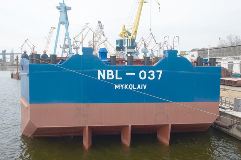 Добудівні роботи на першому несамохідному судні проекту В5000