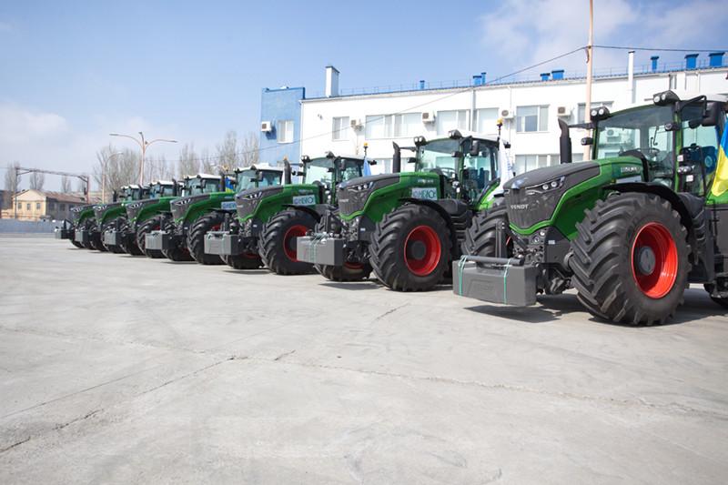 Новий аграрний сезон  «НІБУЛОН» розпочинає з новою сільгосптехнікою