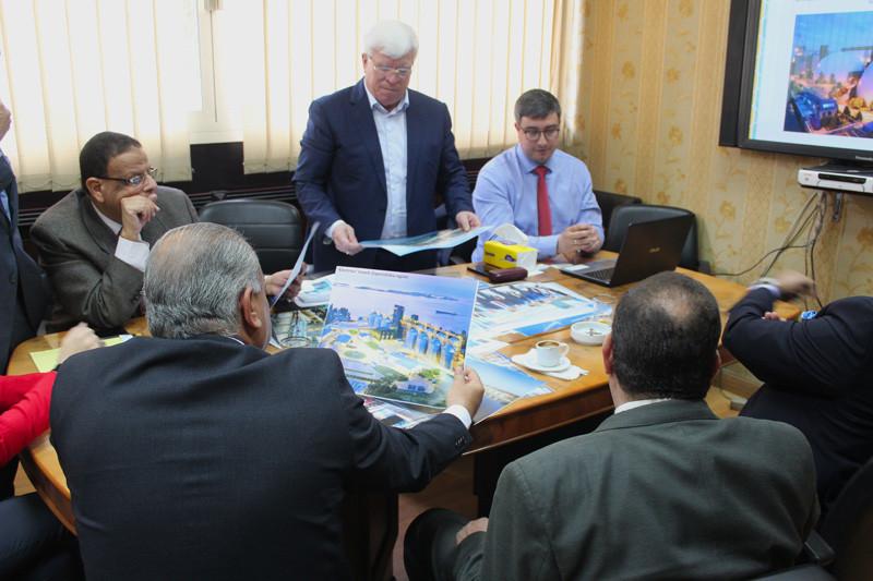 Круглий стіл в Міністерстві транспорту АРЄ за участі заступника міністра постачання та внутрішньої торгівлі, а також радників міністра сільського господарства  та меліорації Єгипту