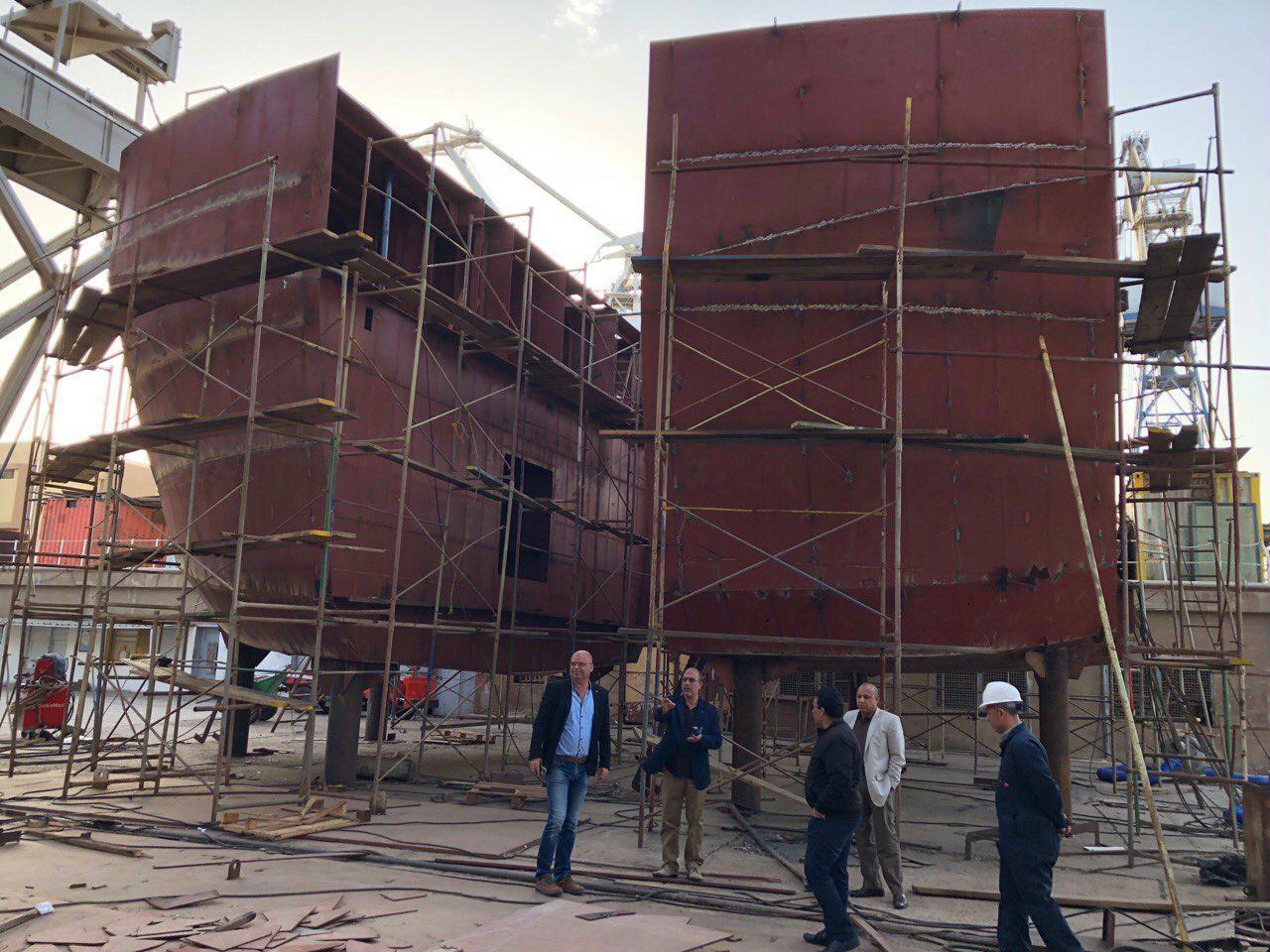 Суднобудівно-судноремонтний завод в Олександрії (Єгипет),  про масштаби якого свідчить цей макет