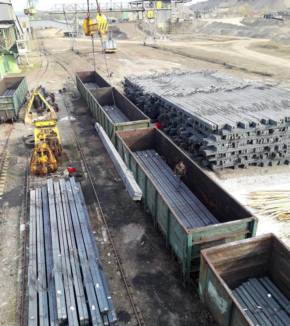 «НІБУЛОН» транспортує водою український метал