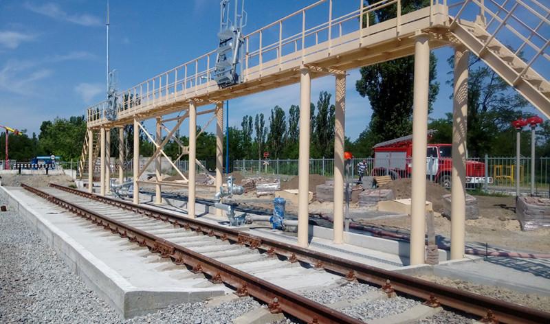 Зливна залізнична естакада на 2 вагони