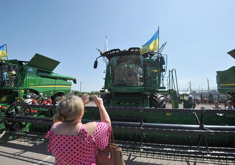 «НІБУЛОН» продовжує масштабні інвестиції у власний парк сільськогосподарської техніки