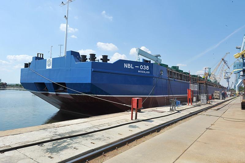 Добудівні роботи на другому несамохідному судні проекту В5000