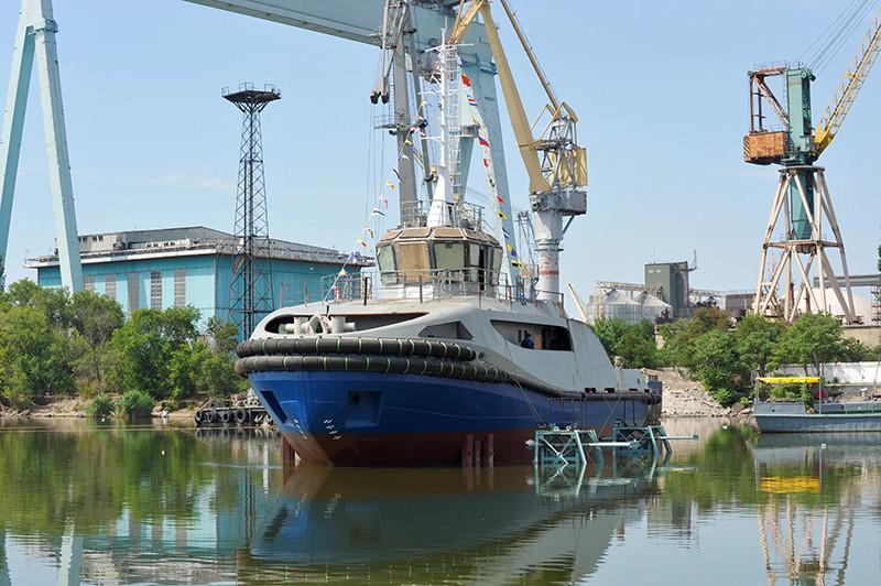 Другий буксир проекту Т3500 на воді