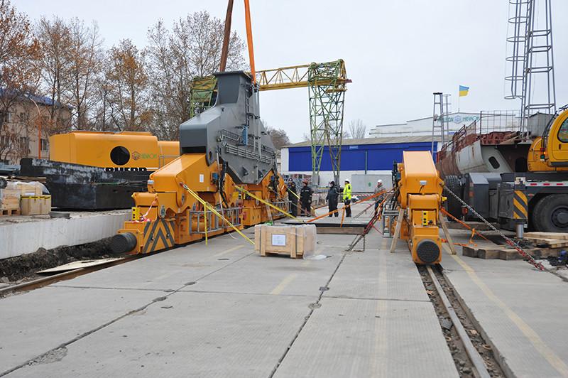 ССЗ «НІБУЛОН» поповнює кранове господарство новим потужним краном німецького виробництва