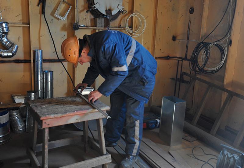 Добудівні роботи на буксирах проекту POSS-115