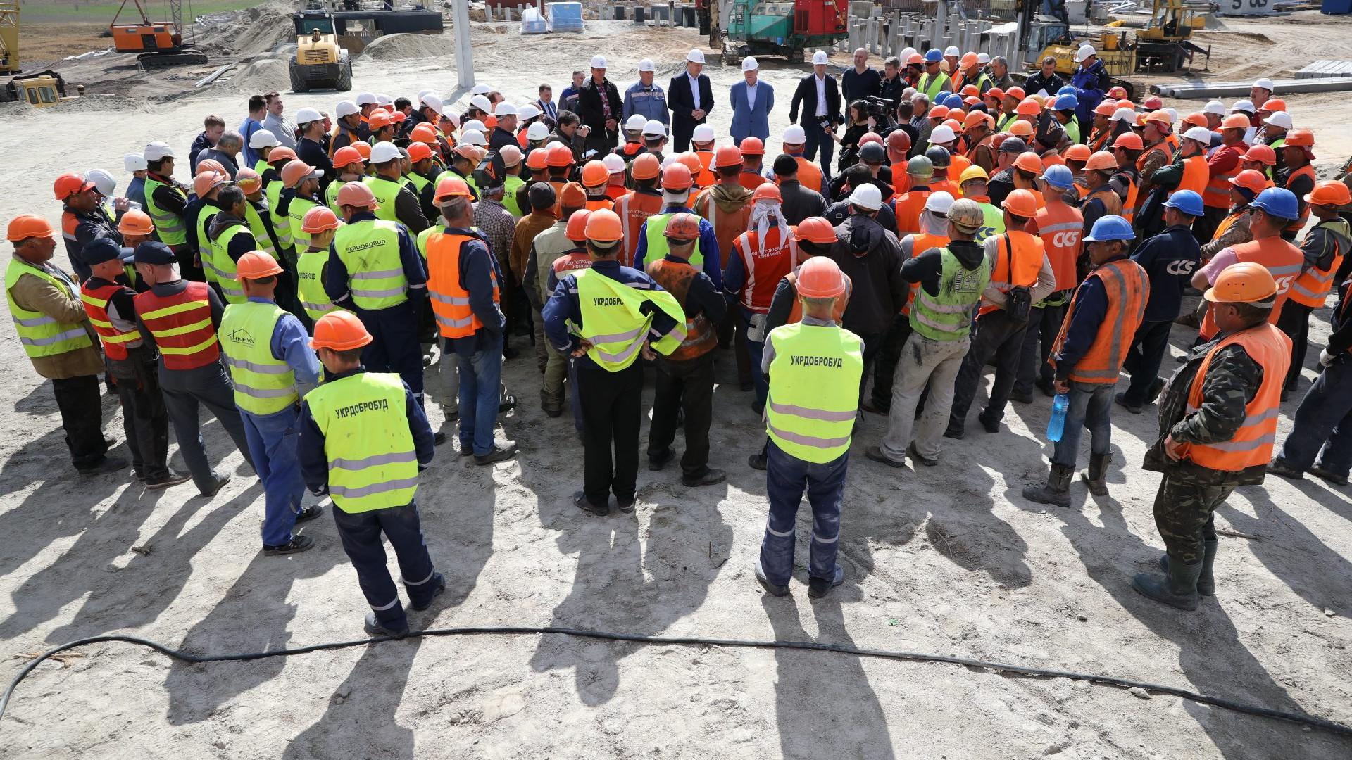 Робоча зустріч із будівельниками