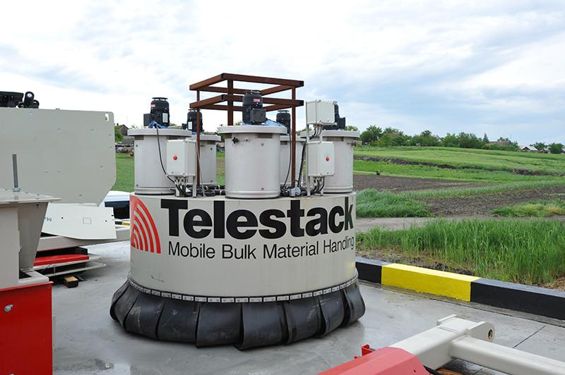 Встановлення суднонавантажувальної машини Telestack