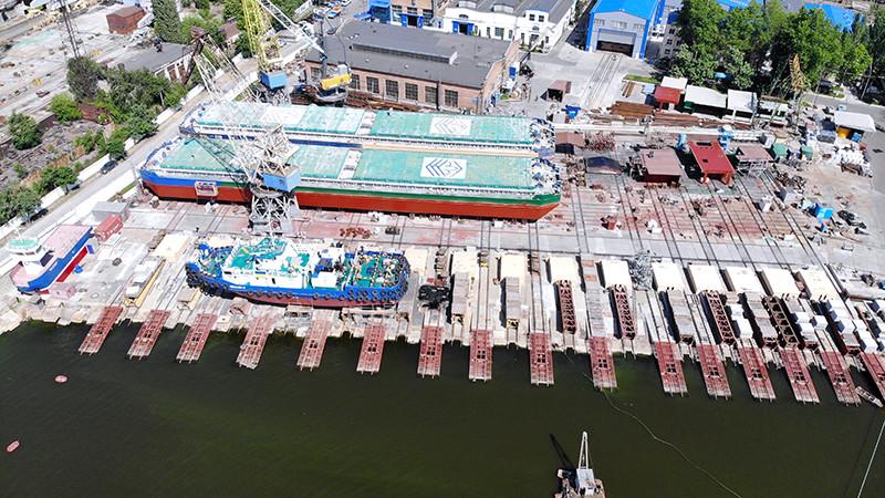 Судноремонт та обслуговування вантажного флоту компанії