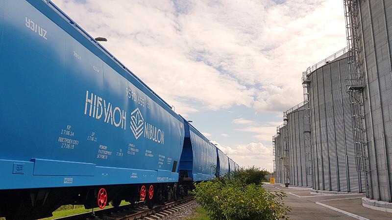 «НІБУЛОН» відправив власними вагонами першу партію збіжжя