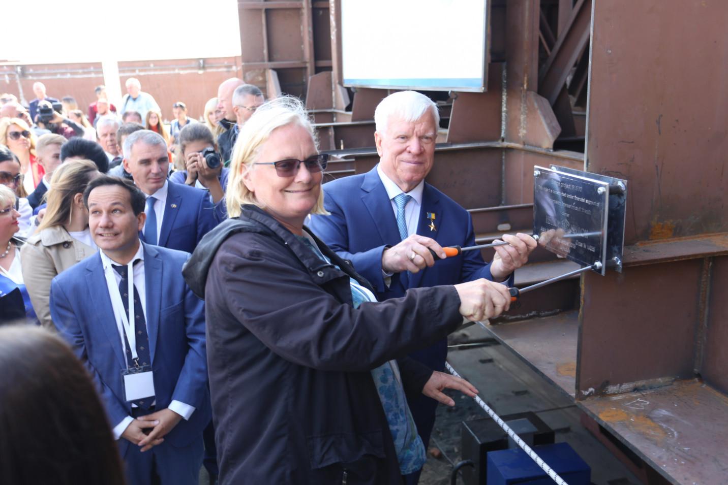 Урочиста закладка першої секції несамохідного судна-майданчика відкритого типу пр. В1500 на міжнародному форумі TRANS EXPO ODESA MYKOLAIV 2019