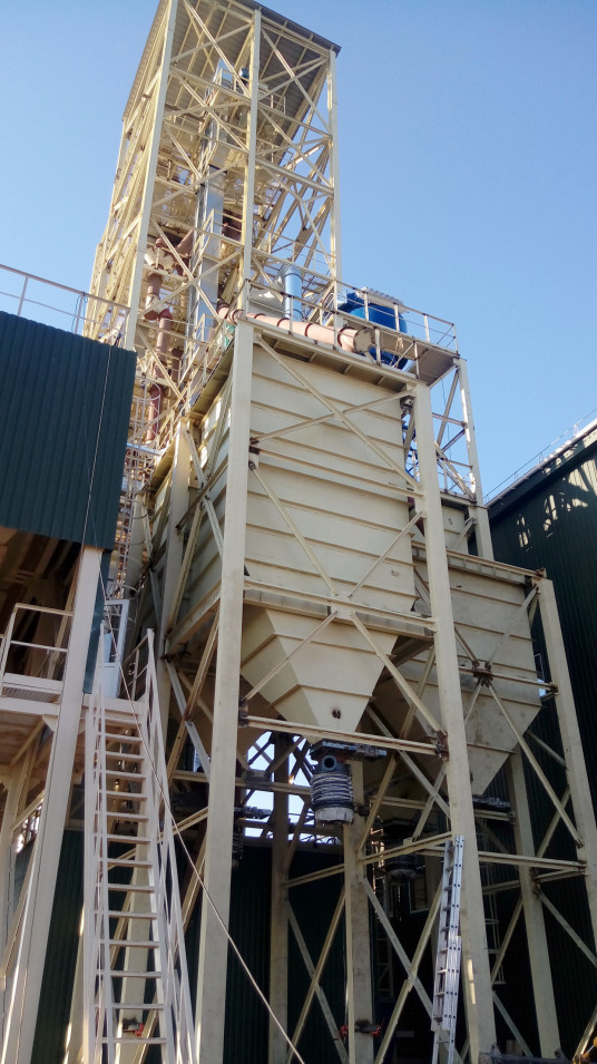 Новий комплекс з приймання, зберігання та відвантаження зернових і олійних культур на залізничний транспорт у Хмільнику готується до введення в експлуатацію