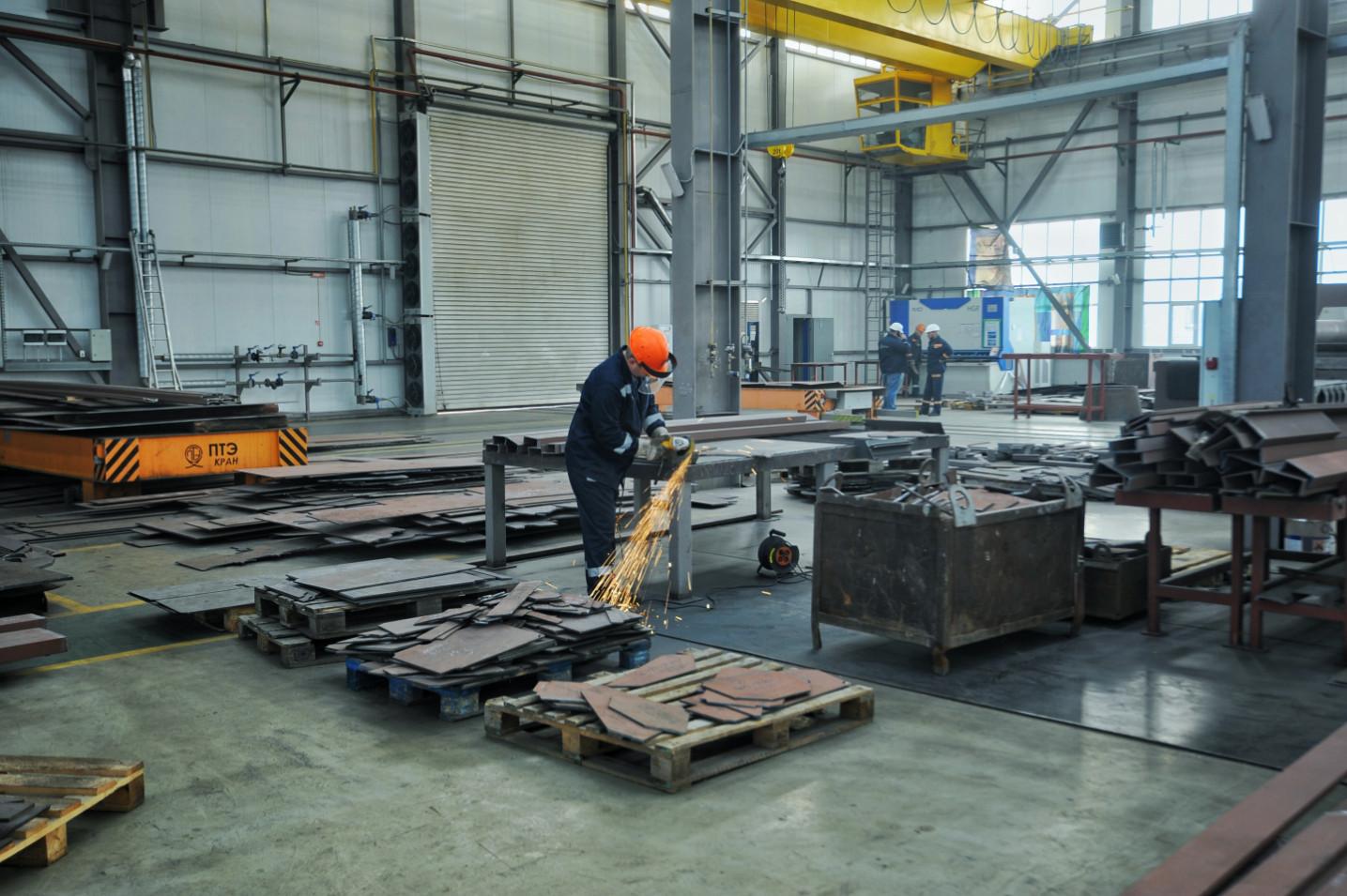 Підготовчі роботи для будівництва уже третього несамохідного судна-майданчика пр. В1500 (зам. 10037)