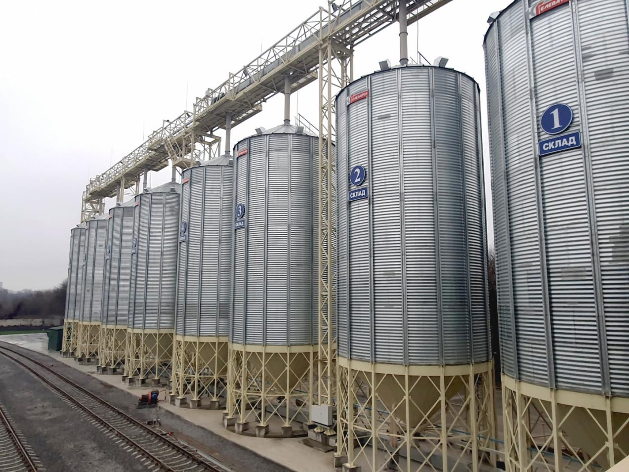 Новий елеваторний комплекс та паливозаправний пункт у Хмільнику