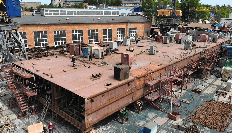 Четверте несамохідне судно-майданчик пр. В1500 (зам. 10038)