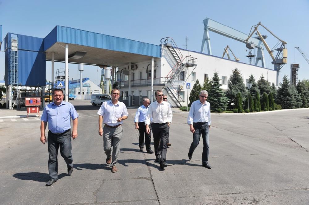 Перевантажувальний термінал (м. Миколаїв)