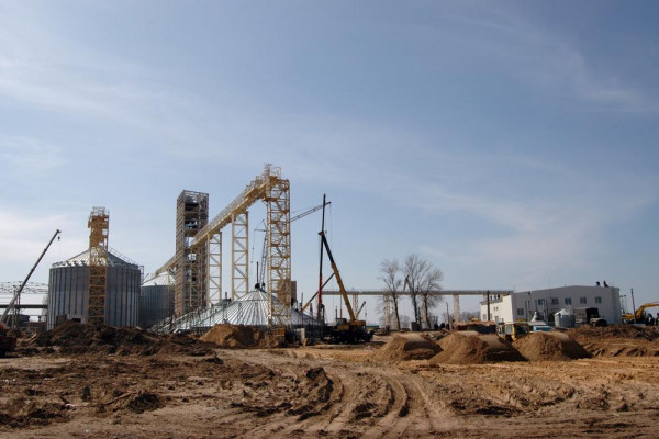 Стан будівництва елеватора філії «Кам'янка-Дніпровська», 27.03.2010 (фоторепортаж)