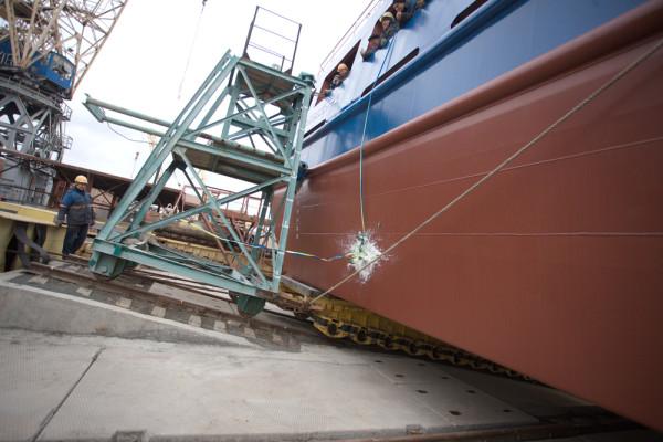 Нібулонівські суднобудівники спустили на воду 67-ме судно річкового флоту компанії