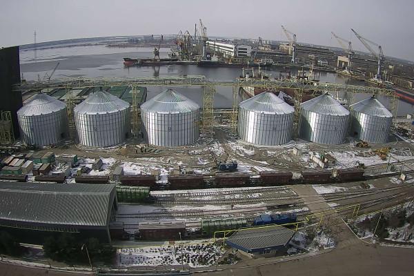 У Миколаєві закінчується масштабне будівництво комплексу з перевалки зернових та олійних культур у складі перевантажувального термінала