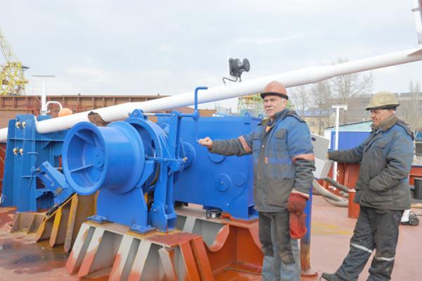 Суднобудівники компанії завершують формування кормового напівкорпусу 2-го судна проекту В5000