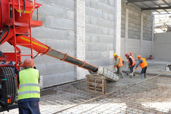 Реконструкція триває: компанія будує два нові склади на території суднобудівного заводу