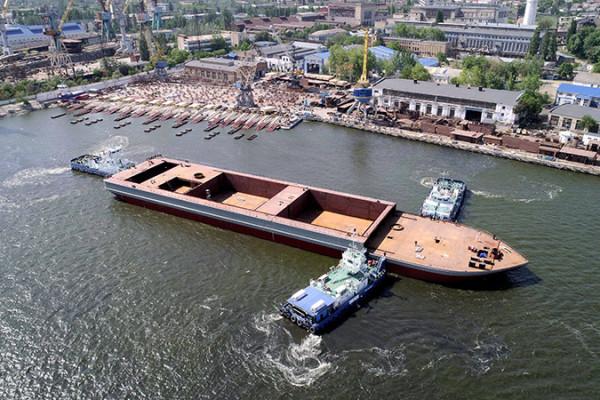 Гігант «NIBULON MAХ» зійшов на воду:  вперше в історії зі стапелів заводу спущено 140-метрове судно